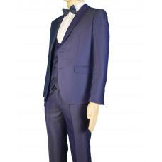 Мужской костюм-тройка синего цвета.